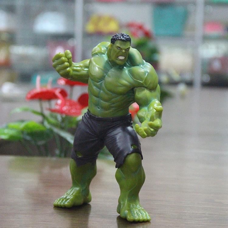Model Hulk