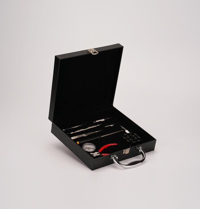 实力工厂工具箱定做 带锁扣维修用品收纳盒 工具收纳手提箱