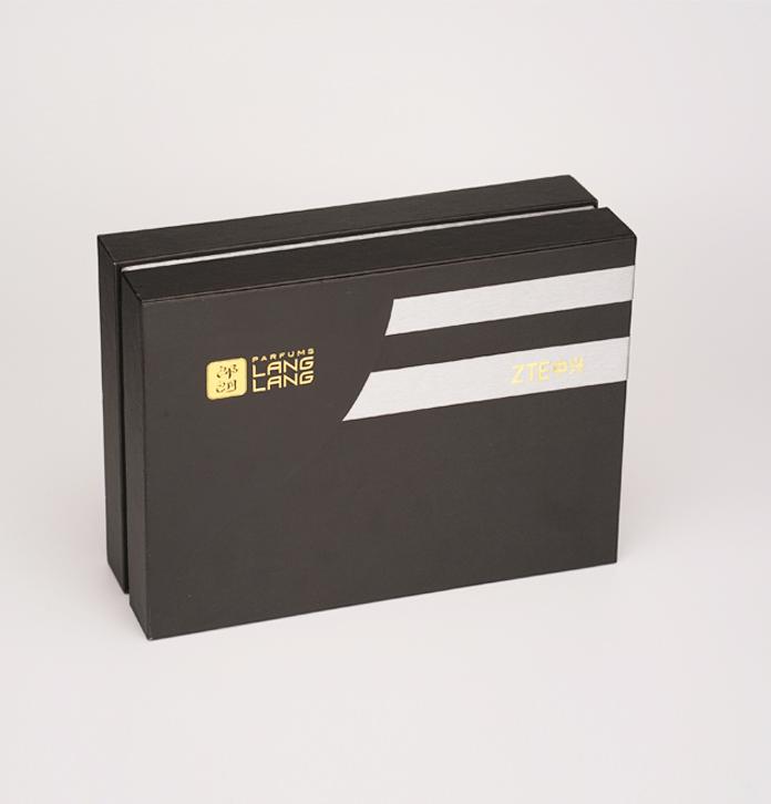 時尚手機套裝定制 高檔皮制手機盒 手機展示柜