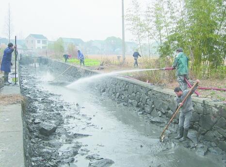 自航式挖泥船也就更受接待?鱼塘清淤施工方案(图1)