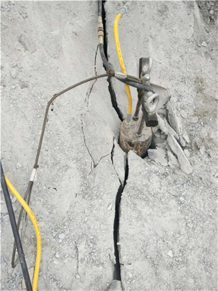 泥结碎石路素材