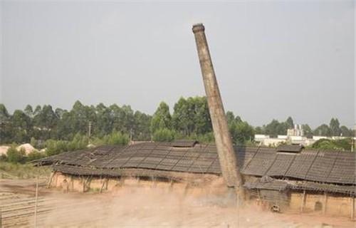 新闻:藁城市大烟囱拆除-共创未来