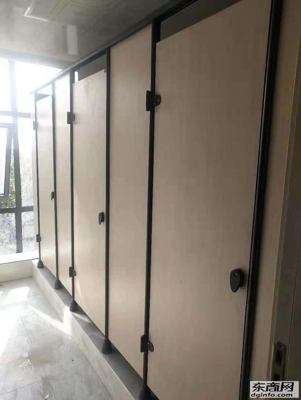 河南鄭州綠城公共廁所隔斷-學校洗手間隔斷