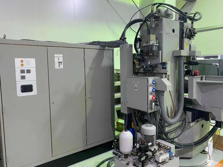 HAUSER S35-400 CNC . FANUC OiM