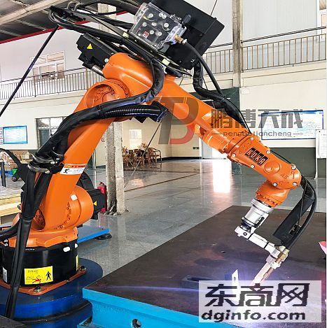 KUKA焊接機器人_陜西鵬博天成自動化