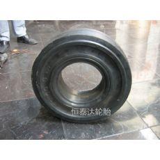 320-8航空地面实心轮胎