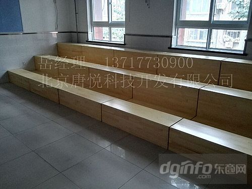 樟子松可坐可站合唱台阶图片