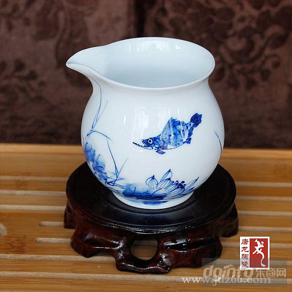 青花瓷手绘茶具图片