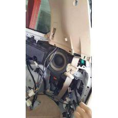 陆地巡航舰加装电尾门套装 太原改电尾门 太原改灯 太原改透镜 座椅加热