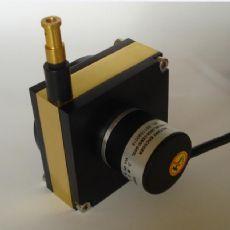 压瓦机位移传感器