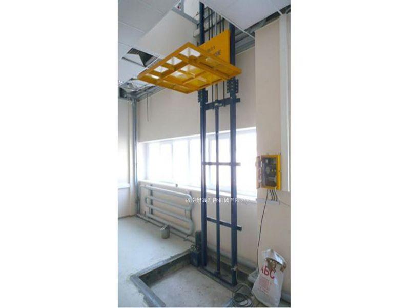 山东高密导轨升降货梯承载2吨价格是H钢载货电梯