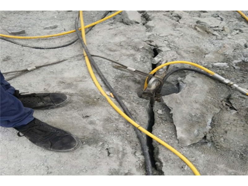 周口挖地基静态分石机