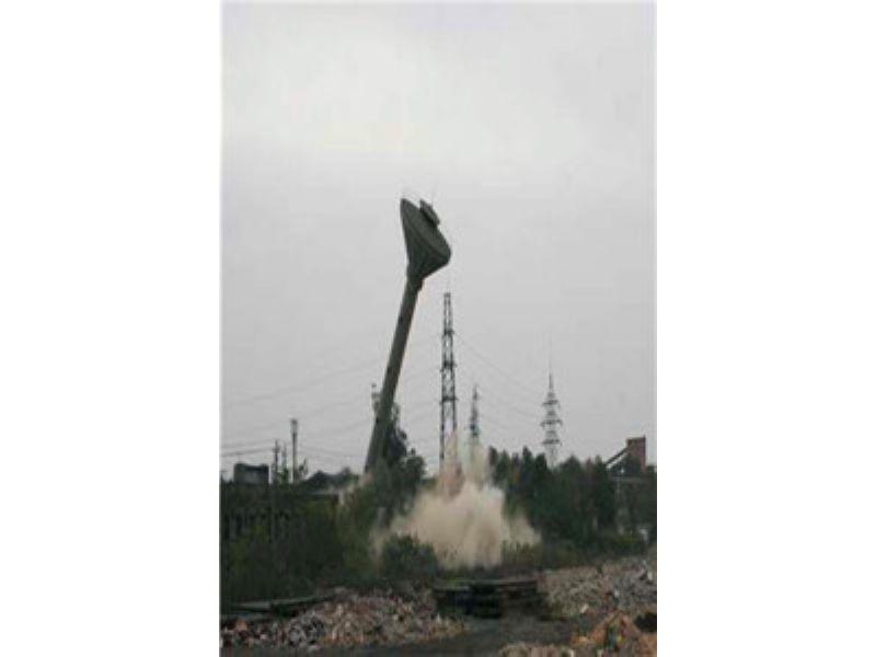 荆州人工拆除烟囱公司欢迎访问