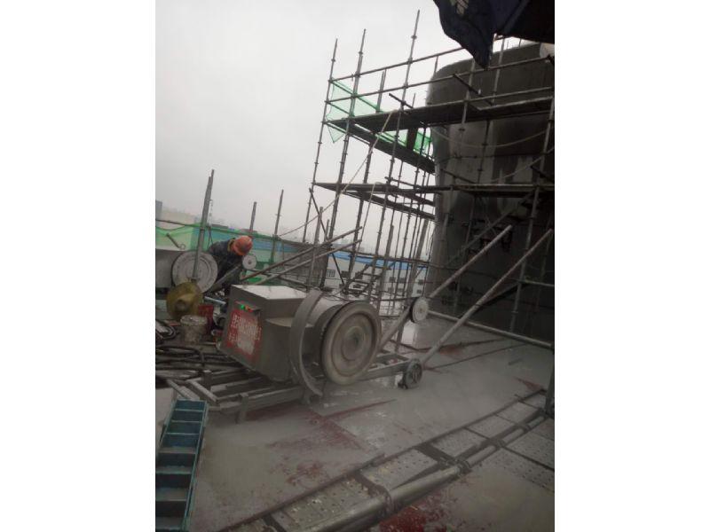江阴高速防撞墙切割绳锯切割多少钱