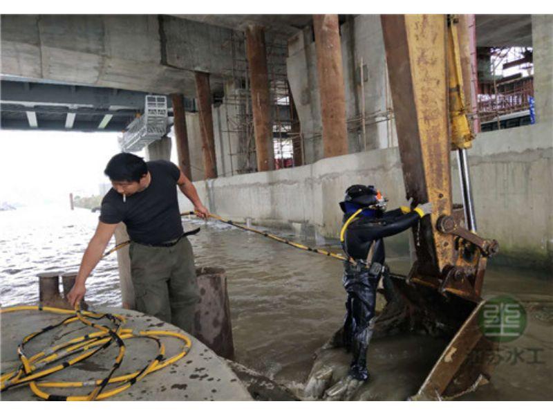 新闻:佳木斯市水下钢管桩切割单位欢迎您速度是风貌