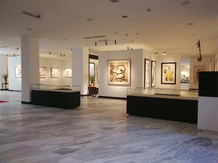 上海龙现代艺术馆